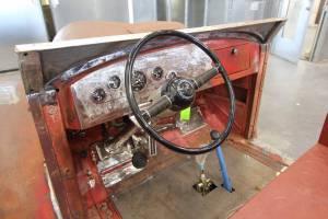0141S-noth-las-vegas-fire-department-1941-howe-international-harvester-repaint-12
