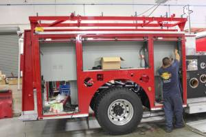 m-U-S-Navy-2002-Pierce-Pumper-Refurbishment-02