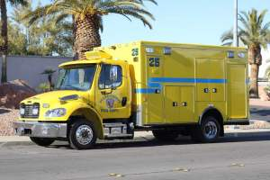 t-1343-Clark-County-Fire-Department-2002-Ambulance-Remount-00