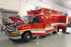 q-1348-Sacramento-Metropolitan-Fire-District-2006-Ford-Medtec-Ambulance-Remount-01