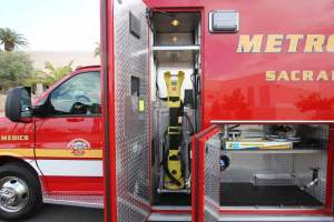 q-1349-Sacramento-Metropolitan-Fire-District-2005-Ford-Medtec-Ambulance-Remount-13