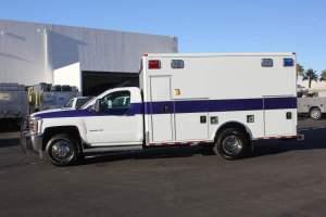 u-1402-White-Mountain-Ambulance-Service-2006-Ford-Ambulance-Remount-02