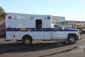 u-1402-White-Mountain-Ambulance-Service-2006-Ford-Ambulance-Remount-06