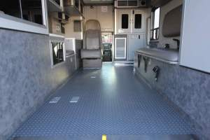 u-1402-White-Mountain-Ambulance-Service-2006-Ford-Ambulance-Remount-17