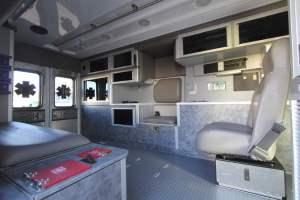 u-1402-White-Mountain-Ambulance-Service-2006-Ford-Ambulance-Remount-21