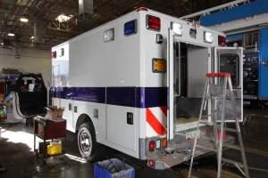 v-1402-White-Mountain-Ambulance-Service-2006-Ford-Ambulance-Remount-01