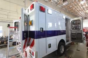 v-1402-White-Mountain-Ambulance-Service-2006-Ford-Ambulance-Remount-02