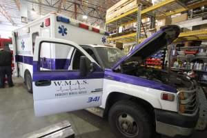 y-1402-White-Mountain-Ambulance-Service-2006-Ford-Ambulance-Remount-03