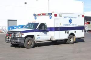 z-1402-White-Mountain-Ambulance-Service-2006-Ford-Ambulance-Remount-01