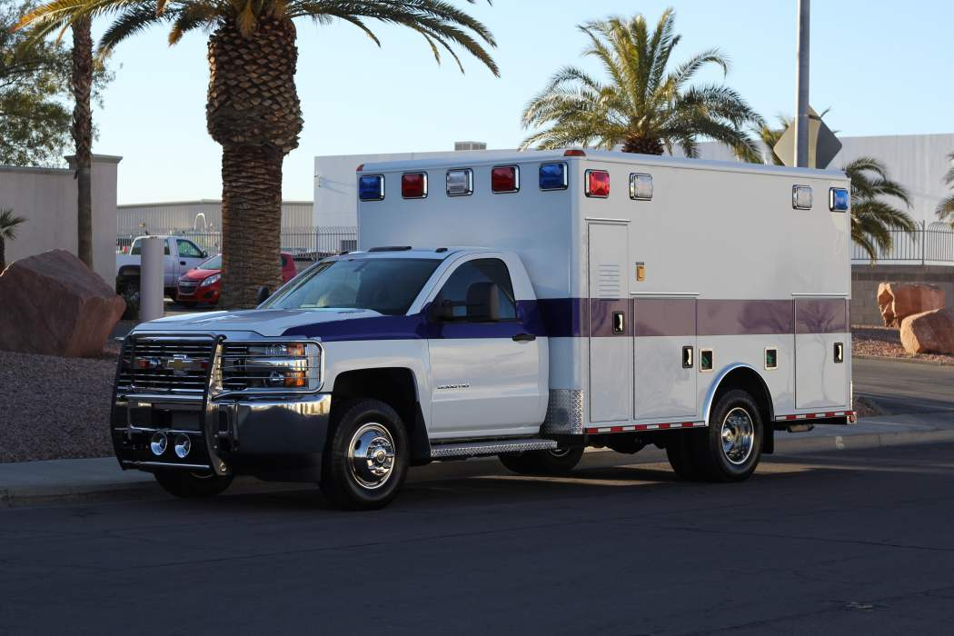 1402 White Mountain Ambulance Service - 2006 Chevy 3500 ...
