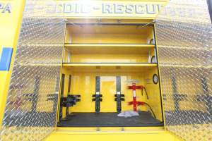 z-1476-clark-county-fire-department-2016-freightliner-ambulance-remount-16