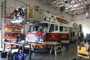 ay-1570-salt-river-fire-department-american-lafrance-aerial-refurb-001
