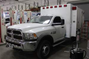 0u-1606-portola-california-medical-services-2017-road-rescue-ambulance-remount-01