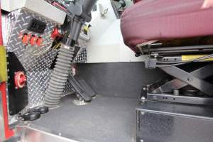 z-1769-2009-seagrave-4x4-pumper-for-sale-047