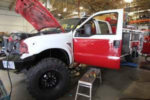 q-1830-marine-corps-barstow-2005-ford-f550-type-6-remount-03