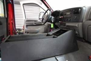 r-1830-marine-corps-barstow-2005-ford-f550-type-6-remount-05