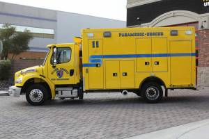 n-1879-clark-county-fire-department-2002-road-rescue-ambulance-remount-02