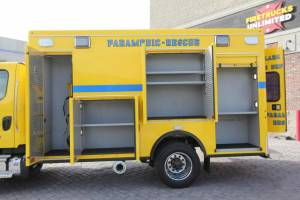n-1879-clark-county-fire-department-2002-road-rescue-ambulance-remount-11
