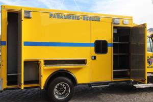 n-1879-clark-county-fire-department-2002-road-rescue-ambulance-remount-25