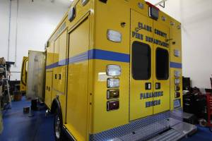 o-1879-clark-county-fire-department-2002-road-rescue-ambulance-remount-001