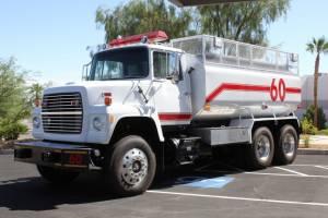 0-1978-Ford-L-8000-Tanker-03