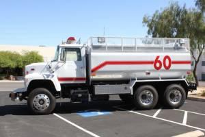 0-1978-Ford-L-8000-Tanker-04