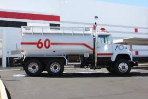 0-1978-Ford-L-8000-Tanker-08