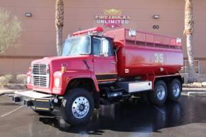 z-1978-Ford-L-8000-Tanker-01