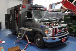 v-2400-community-ambulance-2021-ambulance-remount-01